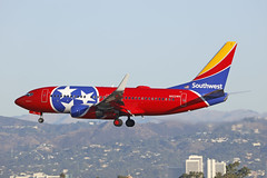 "N922WN, Boeing 737-700, Southwest Airlines ""Tennesee One"", Los Angeles (ColinParker777) Tags: n922wn boeing 737 b737 737700 b737700 73g b73g aircraft airliner airplane plane aviation fly flying flight travel approach finals wn swa southwest airlines airways air klax lax los angeles california socal usa united states america spotting spotters planespotting canon 5dsr 200400 l lens zoom telephoto pro"