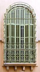 Santa Coloma de Gramenet - Dalt de la Ciutadella 02 b (Arnim Schulz) Tags: modernisme barcelona artnouveau stilefloreale jugendstil cataluña catalunya catalonia katalonien arquitectura architecture architektur spanien spain espagne españa espanya belleepoque window fenster ventana finestra fenêtre art arte kunst baukunst modernismo gaudí liberty ornament ornamento