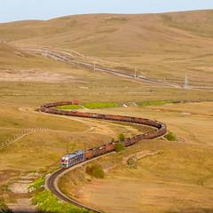 2TE116UD-076 UBTZ, Bayan – Khairkhan (cz.fabijan) Tags: railway železnice train vlak bahn zug lokomotiva locomotive motorová diesel 2te116ud 2te116 mongolsko mongolia mn ubtz ulaanbaatartömörzam bayan улаанбаатартөмөрзам 2тэ116уд 2тэ116 баян 2te116ud076 2тэ116уд076