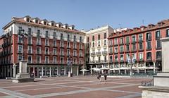 Plaza Mayor. Valladolid. (Fotgrafo-robby25) Tags: arquitectura españa fujifilmxt2 gente lugares plazamayor valladolid