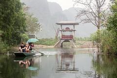 La esclusa (rraass70) Tags: canon d700 rio agua ninbinh deltadelriorojo vietnam