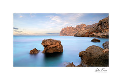 Cala de Sant Vicenç (Cala Barques) (g.femenias) Tags: calasantvicenç calaclara serradelcavallbernat pollença mallorca verylongexposure longexposure sunset ndfilter littlestopper nisigradndfilter seascape rocks sea sky clouds mountains landscape calabarques puntadelatorre nikonflickraward