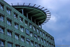 """Hubschrauberlandeplatz (günter mengedoth) Tags: hdpentaxda1685mmf3556eddcwr hd pentaxda 1685mm f3556 ed dc wr k3ii pentax gebäude architektur krankenhaus landeplatz hubschrauberlandeplatz ibbenbüren himmel wolken fenster fassade """"pentaxflickraward"""""""