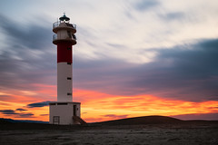 Faro del Fangar (Willie Roman Fotografía) Tags: faro sky sunrise sunset colors orange playa beach morning fujifilm momento esfujifilmx capture exposicion longexposure