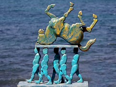 Head-Carrying Pallbearers (l plater) Tags: empiresdismantled richardbyrnes sculpturesbythesea bondi sydney