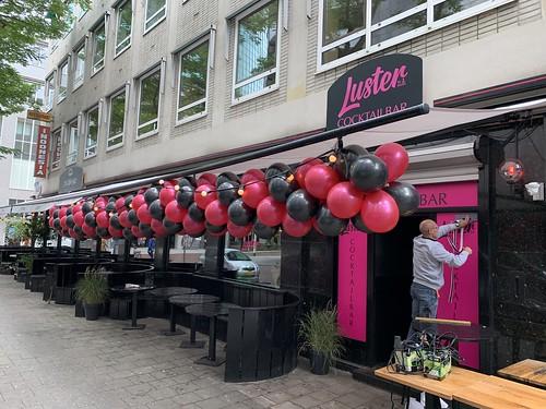 Ballonslinger Luster Rotterdam