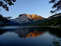 Abendrot / Red sunset (ursula.valtiner) Tags: see lake altaussee altausseersee lakealtaussee alpensee alpslake trisselwand 1754m abendrot redsunset ausseerland salzkammergut steiermark styria austria autriche österreich