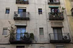 Ventanas (joristan) Tags: barcelona spain catalonia canon canont5i casa architecture