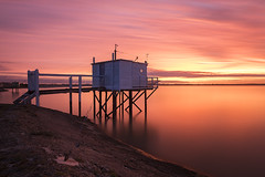 Meschers-sur-Gironde (Tony N.) Tags: france charentemaritime mescherssurgironde gironde aquitaine nouvelleaquitaine carrelet dipnetting sunrise leverdesoleil matin morning fire feu ciel sky orange nuages clouds nikkor1635f4 nikon manfrotto nisi nisiprov5 nisicplpro nisignd16medium nisind1000 tonyn tonynunkovics