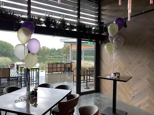 Tafeldecoratie 5ballonnen Lake House Rotterdam