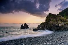 海濤之聲(DSC_3367) (nans0410(busy)) Tags: taiwan yilan suao wave eastcoast sunrise sky cloud dawn outdoors beach 台灣 宜蘭 蘇澳 南澳 粉鳥林漁港 海灘 晨曦 海浪 nanao