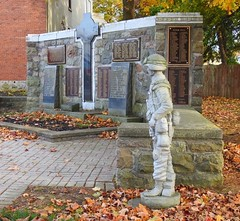 Arthur Cenotaph (scilit) Tags: cenotaph memorial worldwarrecognition patriotic arthur ontario historic sculpture cross tomb publicart stone autumn soldiers veterans patrioticvillage architecture leaves trees