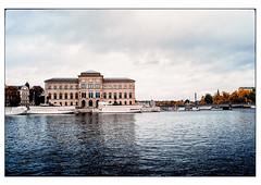 (schlomo jawotnik) Tags: 2019 oktober stockholm schweden bootstour boote brücke museum national touristenfotografie tourist touristischefotografie analog film kodak kodakproimage100 usw