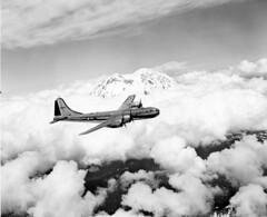 Bilstein_00975  Boeing XB-29 41-18335 (mfr) (San Diego Air & Space Museum Archives) Tags: wwii clouds mountrainier bomber b29 boeing testflight xb29