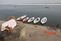 Varanasi 2019 (dr.subhadeep mondal's photography) Tags: subhadeepmondalphotography people varanasi varanasi2019 streetphotography canon color travel travelphotography life ganges candid canon800d