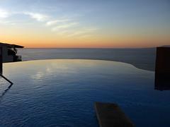 Watching the sunset at the Sky Bar's infinity pool in Puerto Vallarta, Mexico (albatz) Tags: sky blue sunset watching bar skybar infinitypool puertovallarta mexico