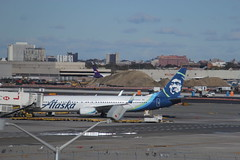 IMG_9510 (GojiMet86) Tags: alaska airlines nyc new york city airplane plane 2017 boeing 737900er n280ak terminal 5 jfk airport
