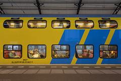 Gepokt en gemazeld (Tim Boric) Tags: trein train zag bahn spoorwegen railways reizigers passengers ddm1 dubbeldekker doubledecker ns haarlem