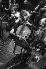 Violonchelo en blanco y negro (Guillermo Relaño) Tags: mendelssohn sueño noche verano especial pqee ¿porquéesespecial camerata musicalis teatro nuevoapolo madrid guillermorelaño sony a7 a7iii a7m3 orquesta orchestra cello chelo violonchelo