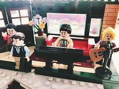 Live tonight at Central Perk...Phoebe and Ross! (valeolligio) Tags: series tv chandler reserved centralperk monica rachel joy ross phoebe tvseries friends 2019 lego