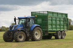 New Holland T7.230 Tractor with a Broughan Engineering Mega HiSpeed Trailer (Shane Casey CK25) Tags: new holland t7230 tractor broughan engineering mega hispeed trailer nh cnh newholland blue carrignavar silage silage2019 silage19 grass grassharvest harvest chopper feed fodder grass19 grass2019 contractor agri agriculture farm farming farmer field farmmachinery horsepower horse power hp pull pulling land machinery nikon d7200 traktor traktori tracteur trekker trator county cork ciągnik crop