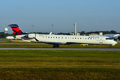 N930XJ (Delta Conn. - Endeavor Air) (Steelhead 2010) Tags: deltaairlines deltaconnection endeavorair bombardier crj900 crj yul nreg n930xj