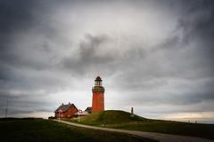 Bovbjerg Fyr (AxelN) Tags: lighthouse nordjylland leuchtturm danmark wolken redlighthouse bovbjerg clouds roterleuchtturm nordjütland northsea dänemark hügel hill nordsee dannebrog