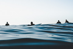 20141128 -Surf_39 (Laurent_Imagery) Tags: lajolla surf surfer surfline surfeur surfermagazine water waterhousing sea ocean oceanpacific pacific pacificocean windansea sandiego california state horizon sunset swell wave waves silhouettes blue nikon d200 editorial magazine sport lifestyle spirit inspiration happiness waiting