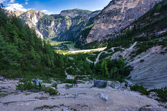 Zig zag down to Rif Pederu (NettyA) Tags: 2019 av1 altavia1 day3 dolomites europe fanessennesbraiesnaturalpark italy luminarquickawesome parconaturalefanessenesbraies southtyrol trentino hike hiking landscape mountains track trail travel