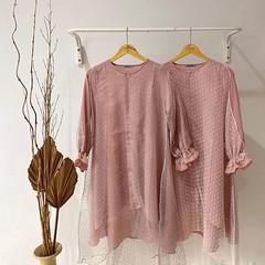 Meet our Reya Tunic at www.eclemix.com💕 Grey Pink & White Pink (eclemix) Tags: hijab fashion ootd localbrandindonesia localbrand eclemix bandung