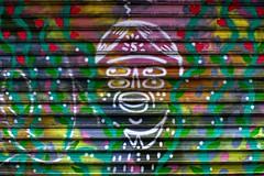 Marry me (Edgard.V) Tags: paris parigi street art arte urbano urban callejero mural graffiti portrait pointillisme retrato ritratto portraiture coulours cores colori colors