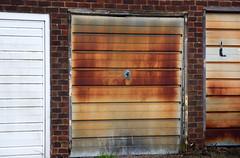 Basingstoke Canal Ash - Ash Vale 3 November 2019 043 (paul_appleyard) Tags: ash surrey november 2019 red rusty garage door