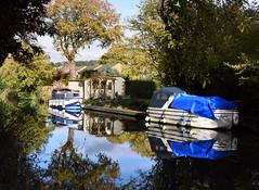 Basingstoke Canal Ash - Ash Vale 3 November 2019 046b (paul_appleyard) Tags: basingstoke canal reflections water ash surrey november 2019 boat still boats