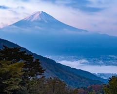 Misaka Fuji before sunrise (shinichiro*) Tags: 20191102ds56622 2019 crazyshin nikond4s afsnikkor2470mmf28ged november autumn fuji misaka candidate 49027547993