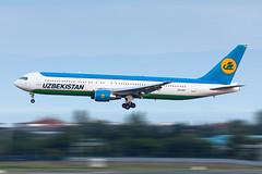 UK67007 Uzbekistan Airways Boeing 767-3CB(ER) (buchroeder.paul) Tags: ltba ist istanbul ataturk airport turkey europe türkei europa flughafen final anflug uk67007 uzbekistan airways boeing 7673cber
