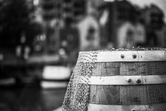 Faß (jörg_grontzki) Tags: bnw schwarzweis wattenmeer büsum northsea nordsee hafen fischerei fischer