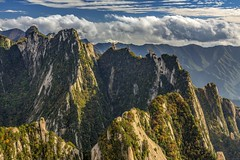 *Hua Mountains @ lost peaks* (Albert Wirtz @ Landscape and Nature Photography) Tags: china huamountains lostpeaks nikon d810 huashanmassif huàshān 華山华山 holymountain shaanxi huayin peoplesrepublicofchina xian heiligerberg volksrepublikchina landscape paesaggi paysage paesaggio campo berg mountain campagne campagna nature natur natura fineart landscapefineart naturefineart fineartphotography autumn fall herbst autunno wald baum forest tree