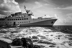 Ausbooten (jörg_grontzki) Tags: northsea nordsee helgoland reede leicaq ausbooten funnygirl