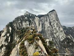 IMG_0750 (Bernard Oh) Tags: huashan mounthua china mountain shaanxi 华山 華山 xian hiking trek nature pugilistic vista taoism temple valley landscape ridge