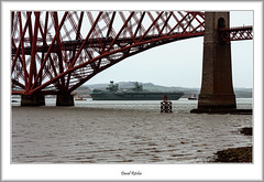 Aircraft Carrier and Forth Bridge (flatfoot471) Tags: 2019 normal scotland unitedkingdom ships military royalnavy april riverforth queensferry hmsqueenelizabeth aircraftcarrier tugs bridge forthbridge southqueensferry 70300canon fife