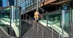 20191030 atrium [jan vonk]_IMG9260_d (AmsterdamZuidas) Tags: architectuur janvonk 2019 oktober kantoor trap persoon reiziger zakenman amsterdam noordholland nederland