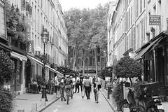 Rue de Satory (just.Luc) Tags: street rue straat strasse france frankrijk frankreich francia frança versailles yvelines îledefrance bn nb zw monochroom monotone monochrome bw europa europe