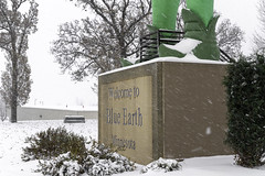 Green Giant shoes in Blue Earth, Minnesota (Lorie Shaull) Tags: snow greengiant jollygreengiant blueearth minnesota gianttimeinbe onlyinmn green giant statue park