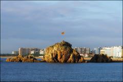 Sa Palomera   Blanes, Catalonia (Flemming J. Gade) Tags: sapalomera blanes senyera water rocks sea sky overcast catalonia