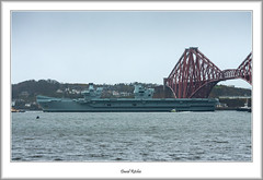 Carrier Between the Bridges (flatfoot471) Tags: 2019 normal scotland unitedkingdom ships military royalnavy april riverforth queensferry hmsqueenelizabeth aircraftcarrier tugs bridge forthbridge southqueensferry 70300canon fife westlothian
