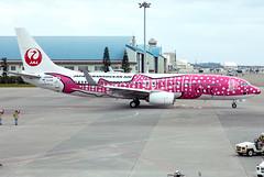 JA06RK Japan Transocean Air B738 (twomphotos) Tags: plane spotting oka roah airport jta japan transocean air boeing b738 colorfullspecial bestofspotting speciallivery