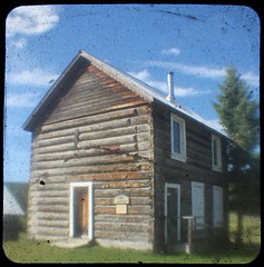 (Crusty Da Klown) Tags: cariboochilcotin 108milehouse bc britishcolumbia canada ttv canon house building historical history summer travel outside outdoors lighting square