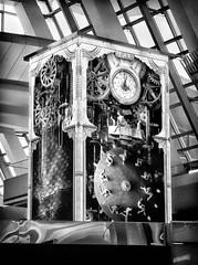 clock (LAX) (Le Xuan-Cung) Tags: clock losangeles internationalairport california usa sw bw nb streetphotography lax blackandwhite noiretblanc