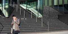 20191030 atrium [jan vonk]_IMG9239_d (AmsterdamZuidas) Tags: architectuur janvonk 2019 oktober kantoor trap persoon reiziger zakenman amsterdam noordholland nederland