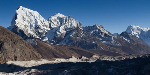 Ngozumpa glacier (4500m)